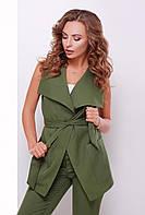 Стильная женская длинная жилетка на запах с поясом и карманами оливковая