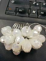Необычное кольцо с дымчатыми кристаллами