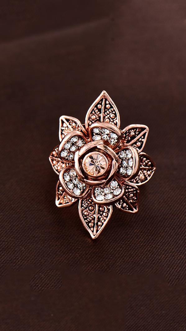 Роскошное кольцо Цветок с фианитами