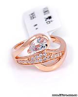 Женственное кольцо с крупным фианитом огранки груша