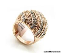 Особенное кольцо с фианитами белого цвета