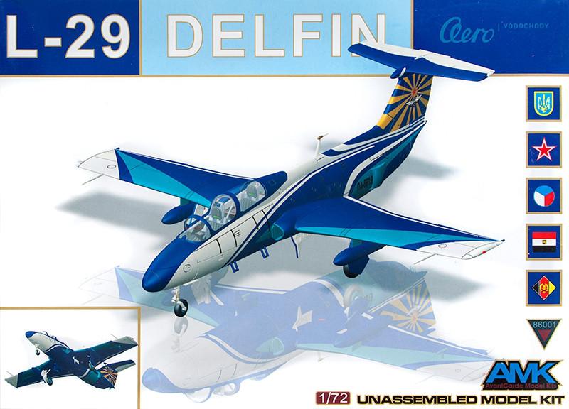 """Учебный самолет Л-29 """"Дельфин"""". 1/72 AMK 86001"""