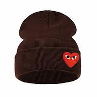 Модная женская трикотажная шапка с сердцем коричневого цвета