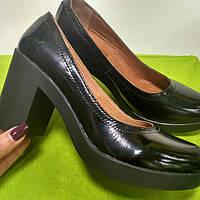 Удобные женские кожаные туфли на каблуке 990798e2c502a