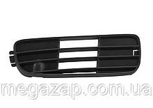 Решетка бампера передняя правая AUDI 80 (91-94)