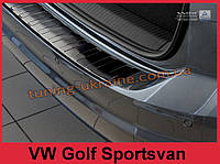 Накладка на задний бампер с загибом и ребрами на Volkswagen Golf  2014 Sportsvan черная, фото 1