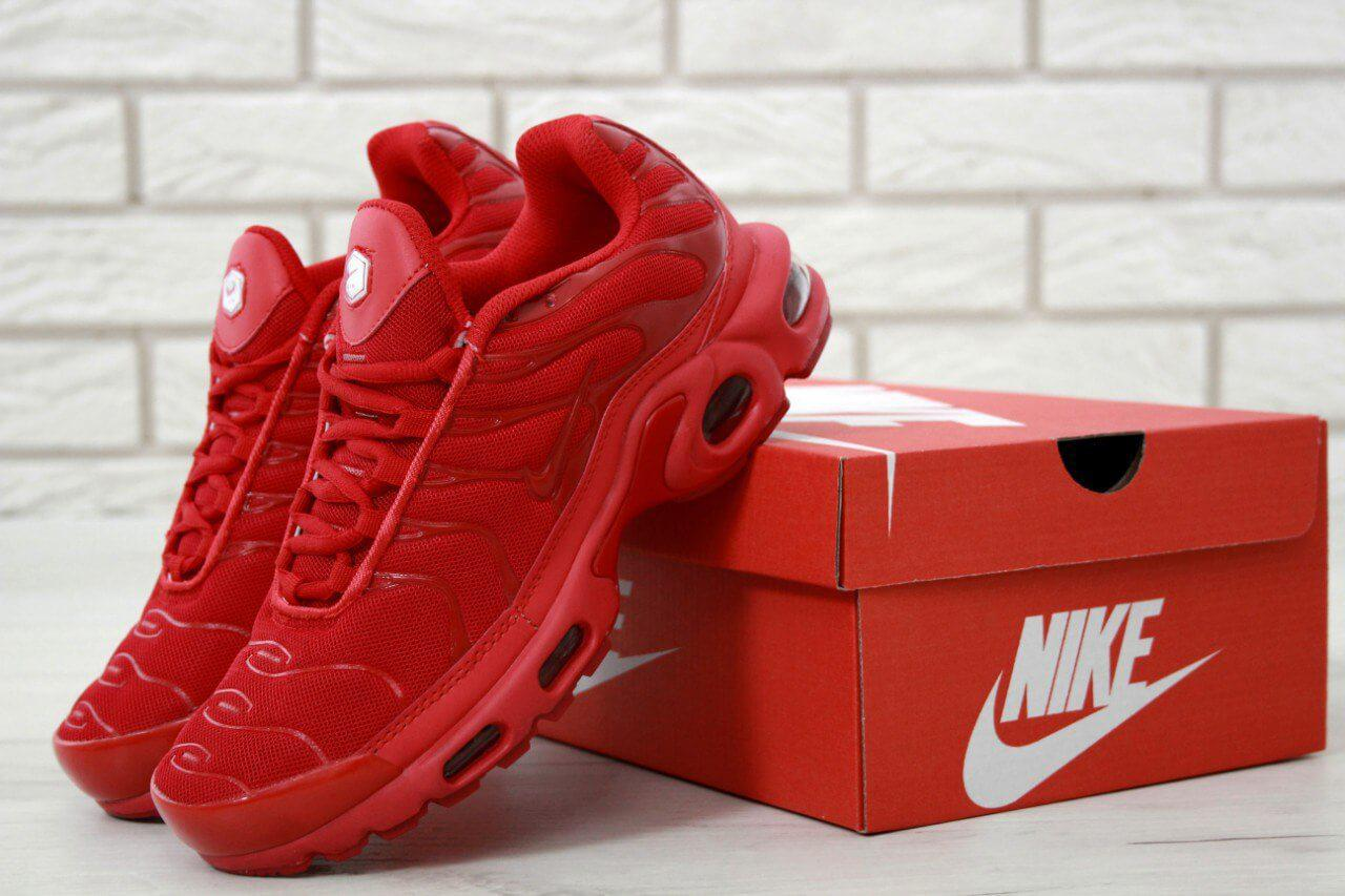 quality design a5206 de5c2 Кроссовки Nike Air Max TN Plus Ultra Red