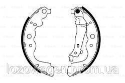 Задние барабанные тормозные колодки на Duster BOSCH 0986487754