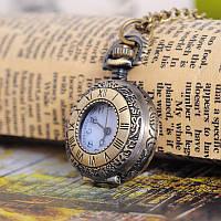Часы-подвеска в стиле ретро