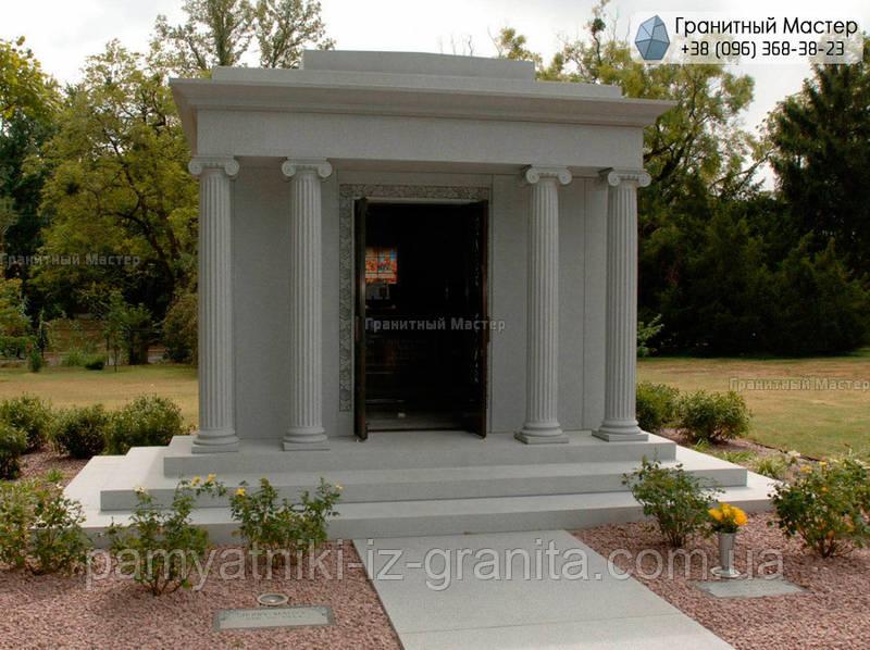 Склеп на кладбище № 5