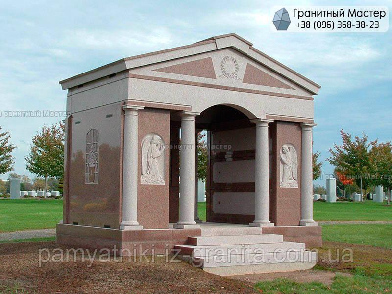 Склеп на кладбище № 19