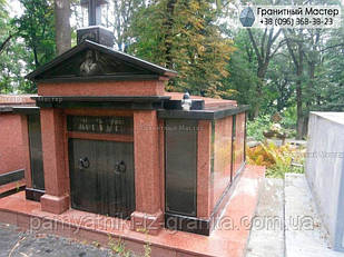 Склеп на кладбище № 25