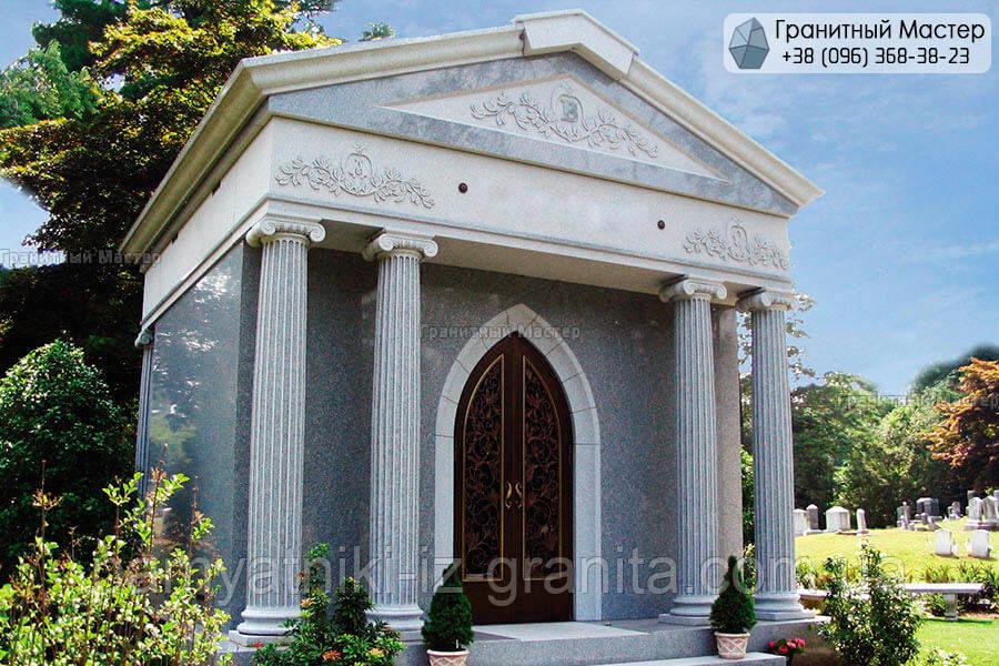 Склеп на цвинтарі № 26