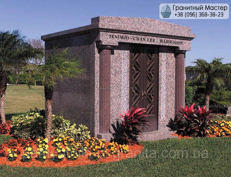 Склеп на кладбище № 65