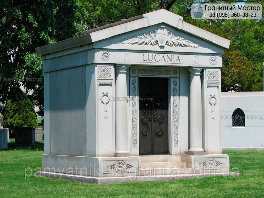 Склеп на кладбище № 84