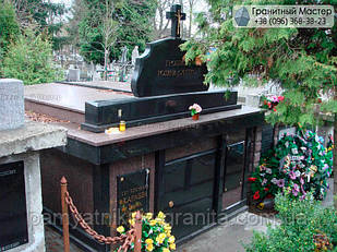 Склеп на кладбище № 98