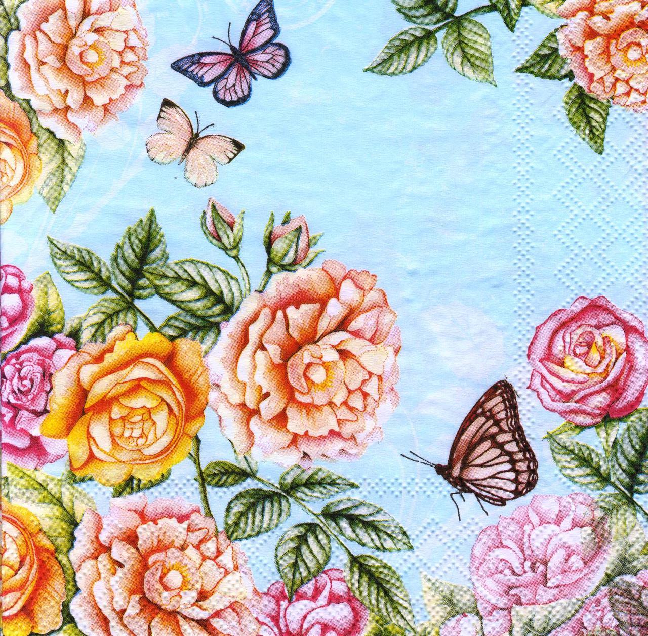 Салфетка декупажная Розы и бабочки на голубом фоне 7374