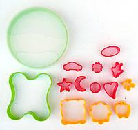 """Набор форм для печенья из пластика (13 форм + коробочка для хранения) """"ЧП КВВ"""""""