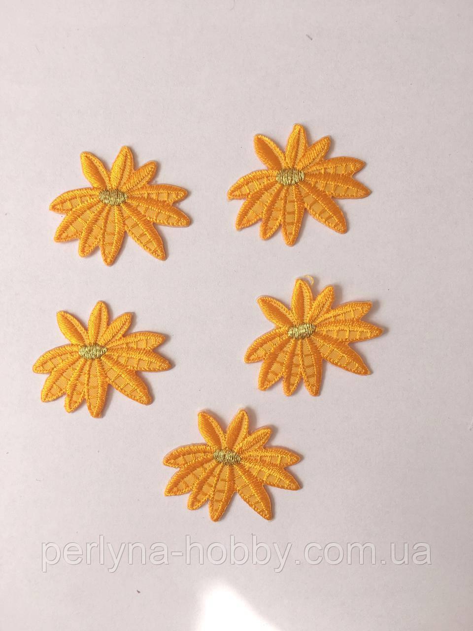 "Аплікації "" Квіти малі 5 штук"" 35 мм, жовто-гарячі (комплект 5 шт)"