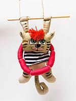 Кофейная игрушка подвеска Кот с сосисками