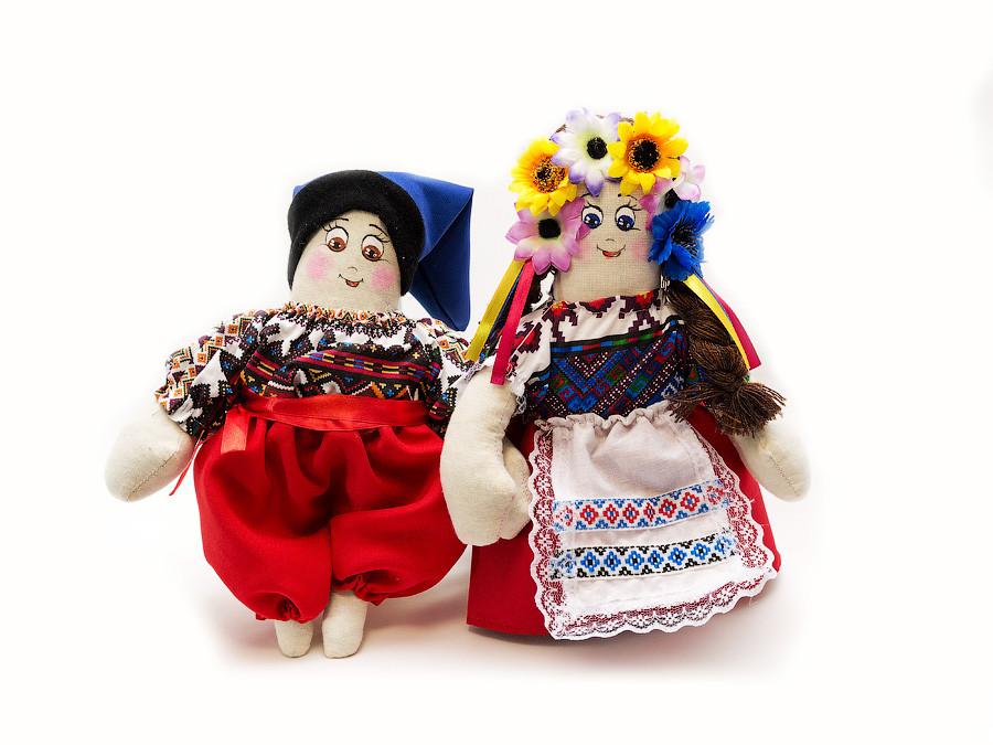 Кукла Украина , пара танцующая средняя