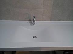 Столешница в ванную с мойкой из акрила Tristone F131