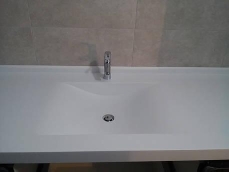 Столешница в ванную с мойкой из акрила Tristone F131, фото 2