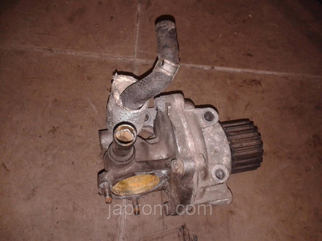 Водяной насос Mazda 626 GF 1997-2002г.в. RF2