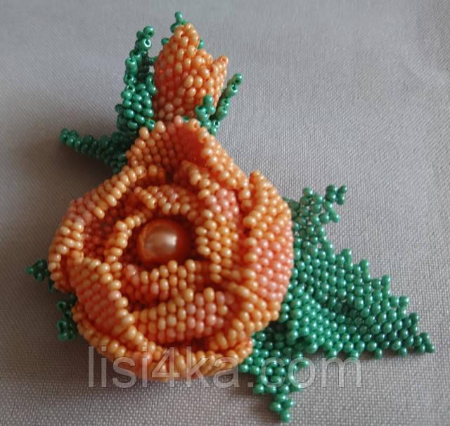 Авторская брошь из чешского бисера в форме розы