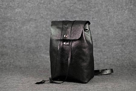 Женский рюкзак на затяжках с кнопкой |11942| Черный кристалл