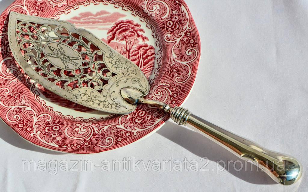 Шикарная антикварная лопатка для подачи и сервировки рыбных блюд! Серебро,84 проба. 1874 г.
