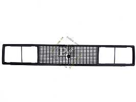 Решетка радиатора ВАЗ 2106 черная (пакет)