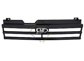 Решетка радиатора ВАЗ 21093 черная (с эмблемой) (пакет)
