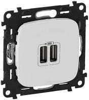 Valena ALLURE Розетка USB для зарядки подвійна Білий