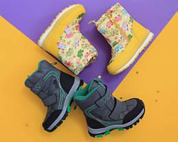 Какие теплые сапожки выбрать на маленькие ножки: термо ботинки или термо дутики?