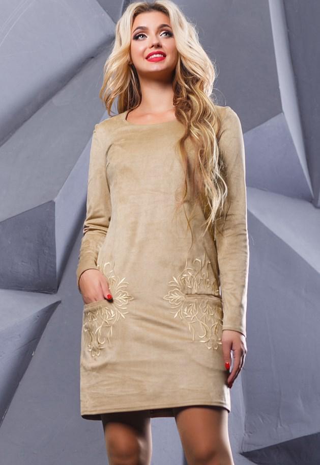 Кремовое замшевое платье с вышивкой на карманах Д-1064