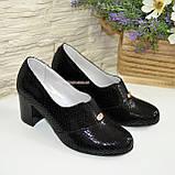 Туфли женские замшевые черные на каблуке, с лазерным напылением, фото 4