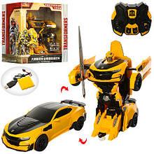 Машинка-трансформер на пульті управління Transformers