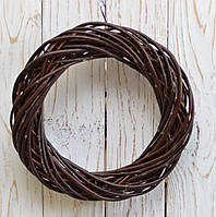 Вінок з лози коричневий 30 см