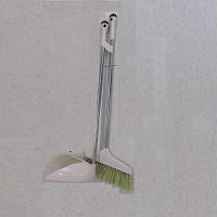 Набор для уборки (метла, совок)