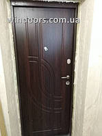"""Двери """"Медведь"""" модель выполнена по индивидуальному заказу цвет МДФ накладки орех темный"""