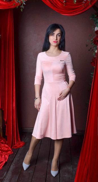 Нарядное замшевое платье миди. Размер 50