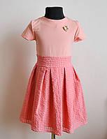 Детское повседневное платье с брошкой 122 размер