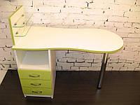 """Маникюрный стол cо стеклянными полочками под лак """"Эстет  №1"""" белый с зелеными фасадами"""