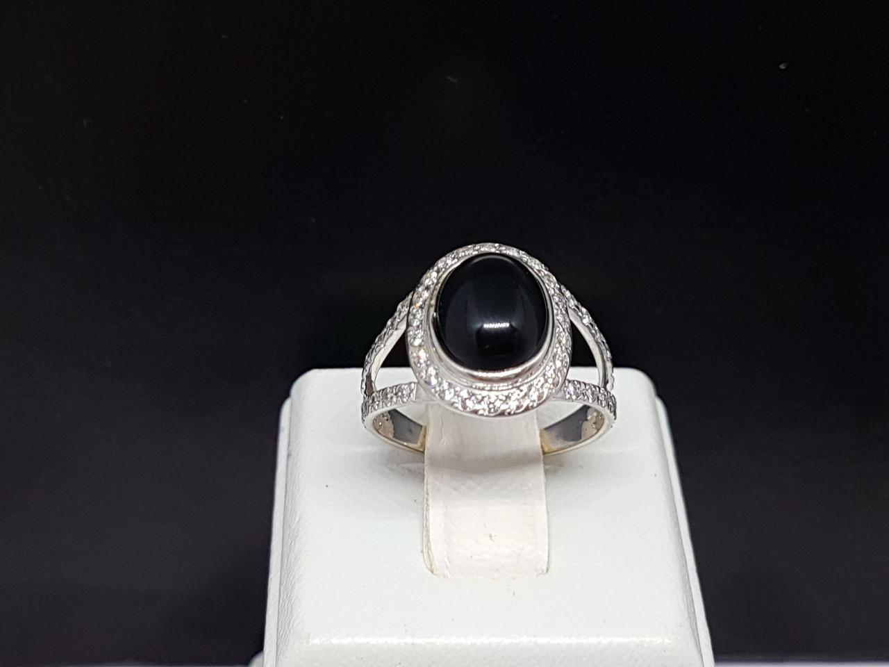 Серебряное кольцо с ониксом. Артикул КВ1060с 17