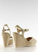 03-29 Бежево-серые женские босоножки koturn с вышивкой r93 41,40,39, фото 1