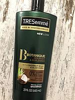 Увлажняющий и восстанавливающий шампунь на кокосовом молоке Tresemme
