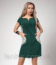 Летнее короткое платье из костюмки с ажурными карманами макраме р.46,48 бутылочное (553)