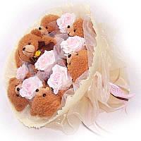 Букет из мягких игрушек Мишки 7 коричневые с розами
