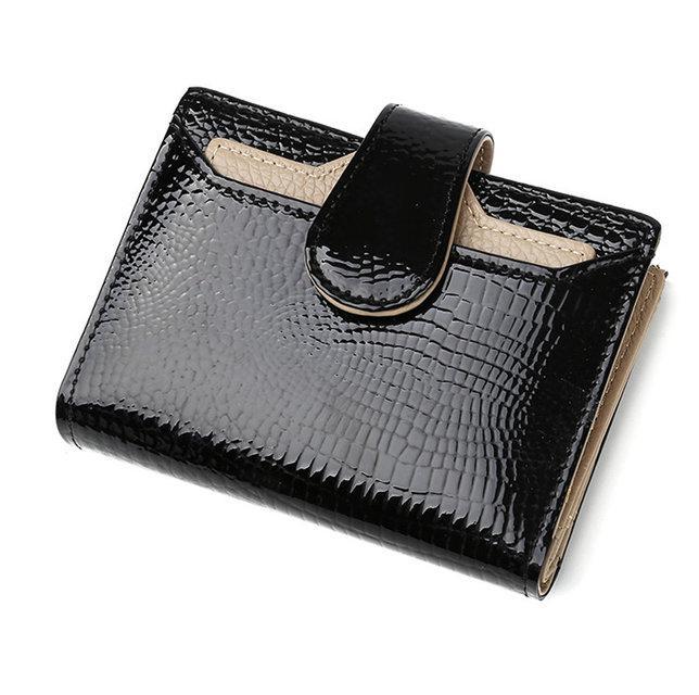 Лаковий жіночий гаманець з натуральної шкіри. Портмоне жіноча шкіра.